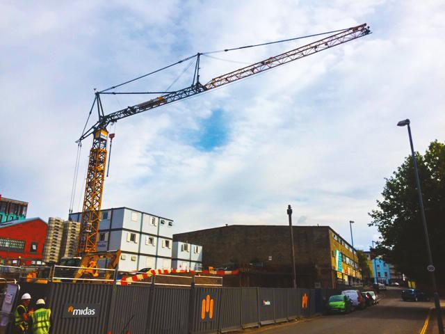 Liebherr 81K Self Erecting Crane