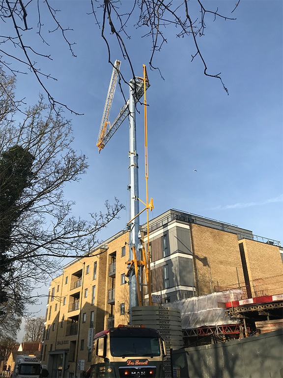 self erecting tower cranes